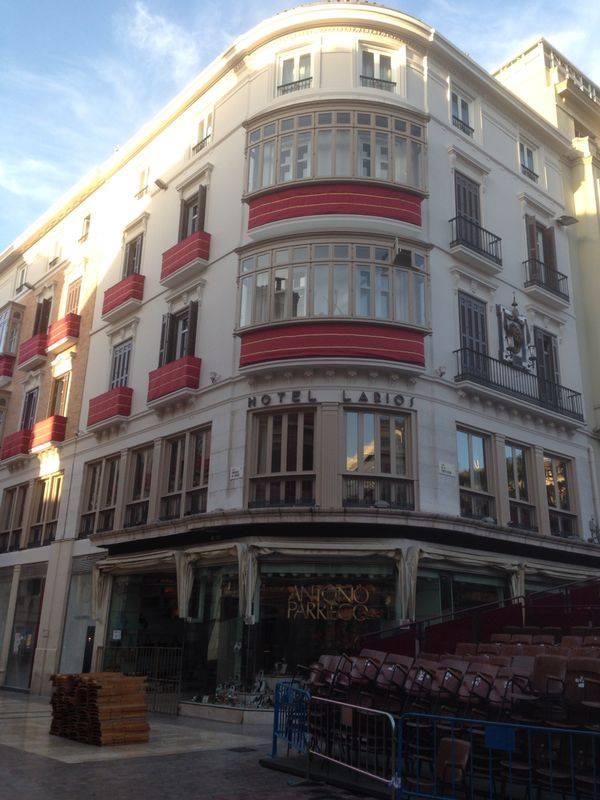 fachada hotel larios